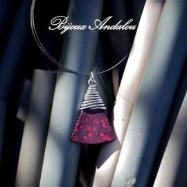 Collier-Pyramide-Unique-et-original-3